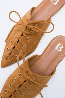 https://im.berrybenka.com/assets/upload/product/catalogs/275083_lovya-octarina-laces-mules-brown_brown_XOE9V.jpg