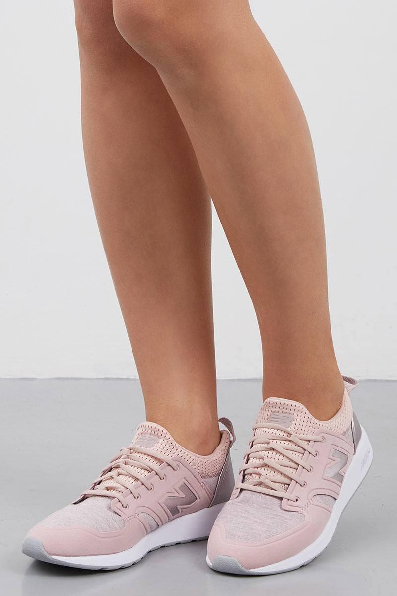 8df68650 Sell New Balance LIFESTYLE 420 WRL420SE LIGHT PINK Women Sneakers ...