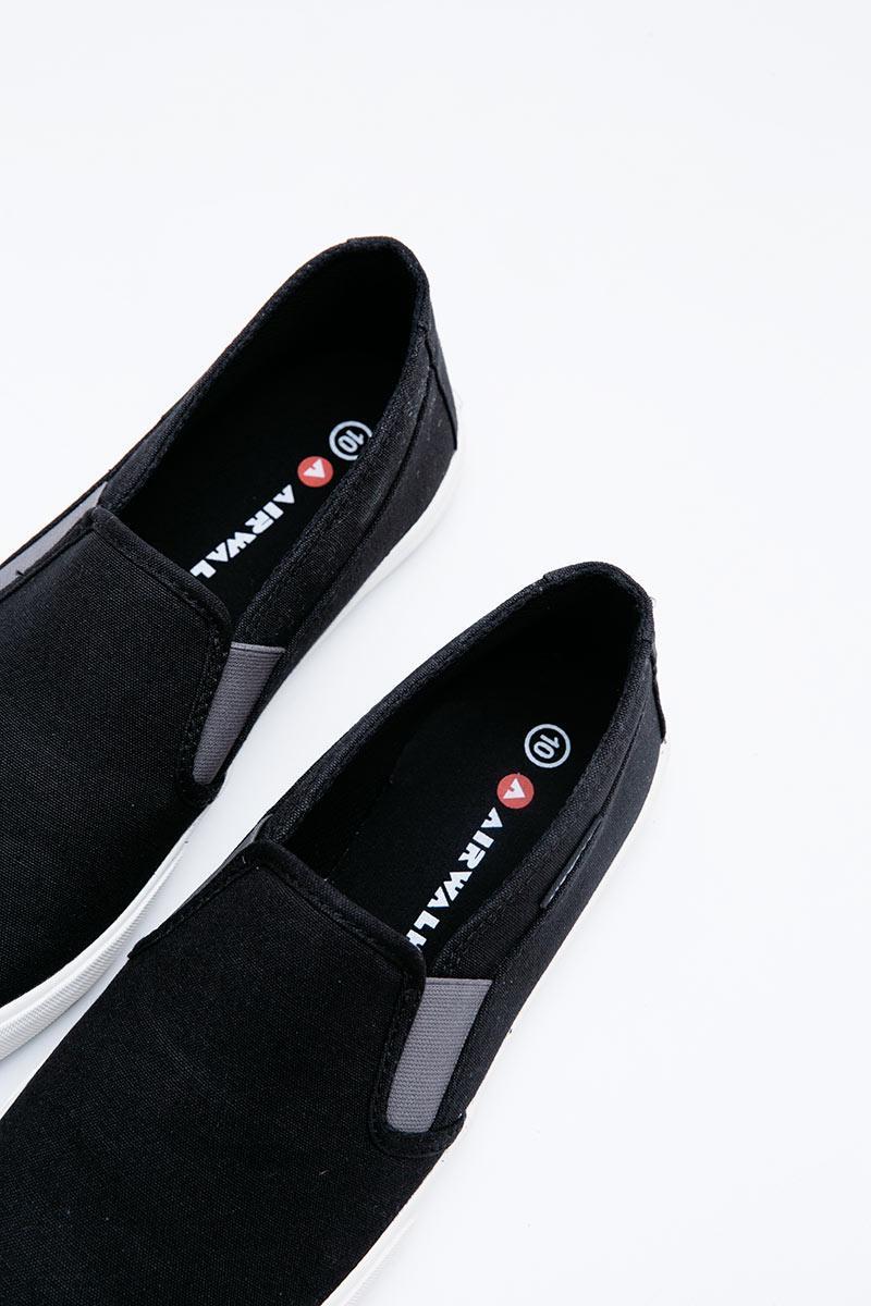 airwalk slip on black